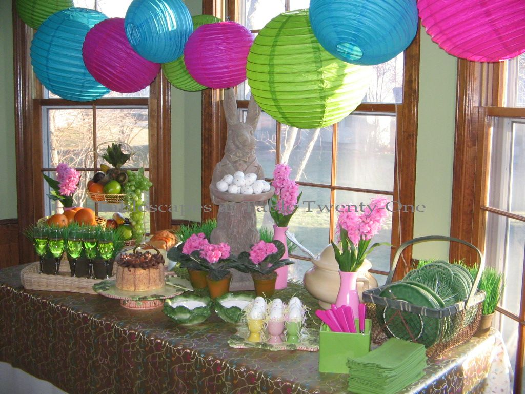Easter brunch tablescapes at table twenty one Brunch table decorations