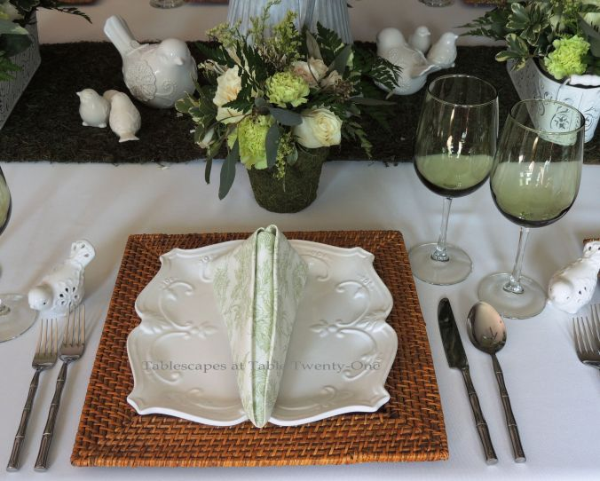 Tablescapes at Table Twenty-One, www.tabletwentyone.wordpress.com, Spring Green: Single place setting