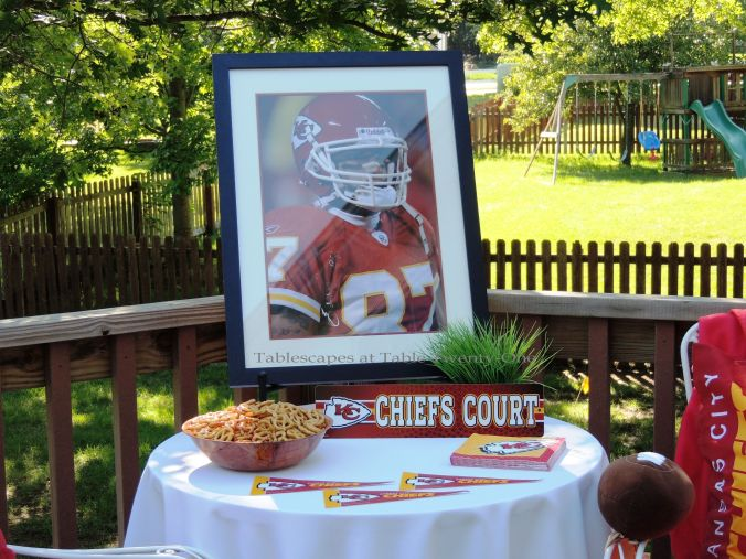 Tablescapes at Table Twenty-One, www.tabletwentyone.wordpress.com, Chiefs Pride: Side table