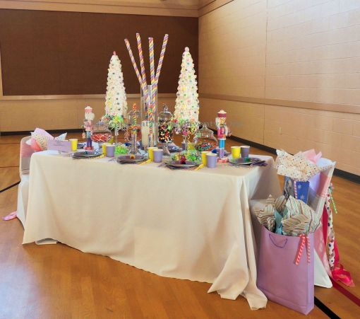 """Alycia Nichols, Tablescapes at Table Twenty-One, www.tabletwentyone.wordpress.com, """"Confectionery Christmas"""" – pastel tablescape for kids"""