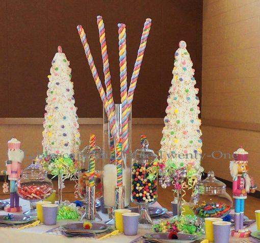 "Alycia Nichols, Tablescapes at Table Twenty-One, www.tabletwentyone.wordpress.com, ""Confectionery Christmas"" – Centerpiece"