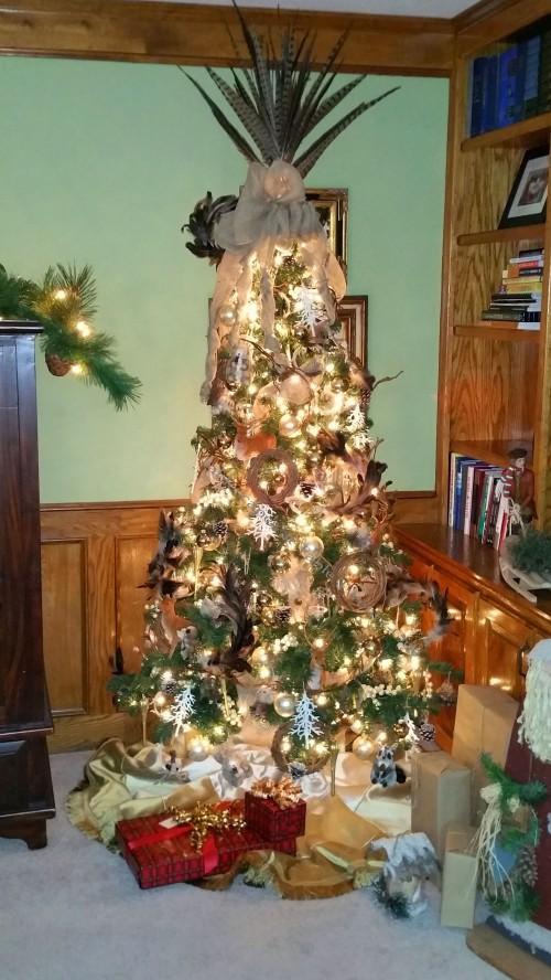 "Alycia Nichols, Tablescapes at Table Twenty-One, www.tabletwentyone.wordpress.com, ""Timberland Christmas – 2014 Christmas Décor: Woodland Christmas Tree"