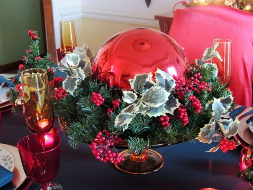 "Alycia Nichols, Tablescapes at Table Twenty-One, www.tabletwentyone.wordpress.com, ""Old-Fashioned Red & Green Christmas"":  Centerpiece"