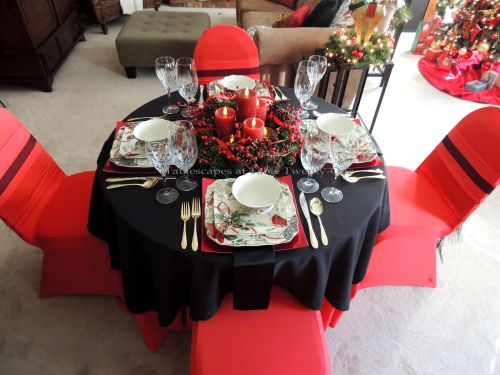 Alycia Nichols, Tablescapes at Table Twenty-One, www.tabletwentyone.wordpress.com: Cardinal Christmas - red & black tablescape