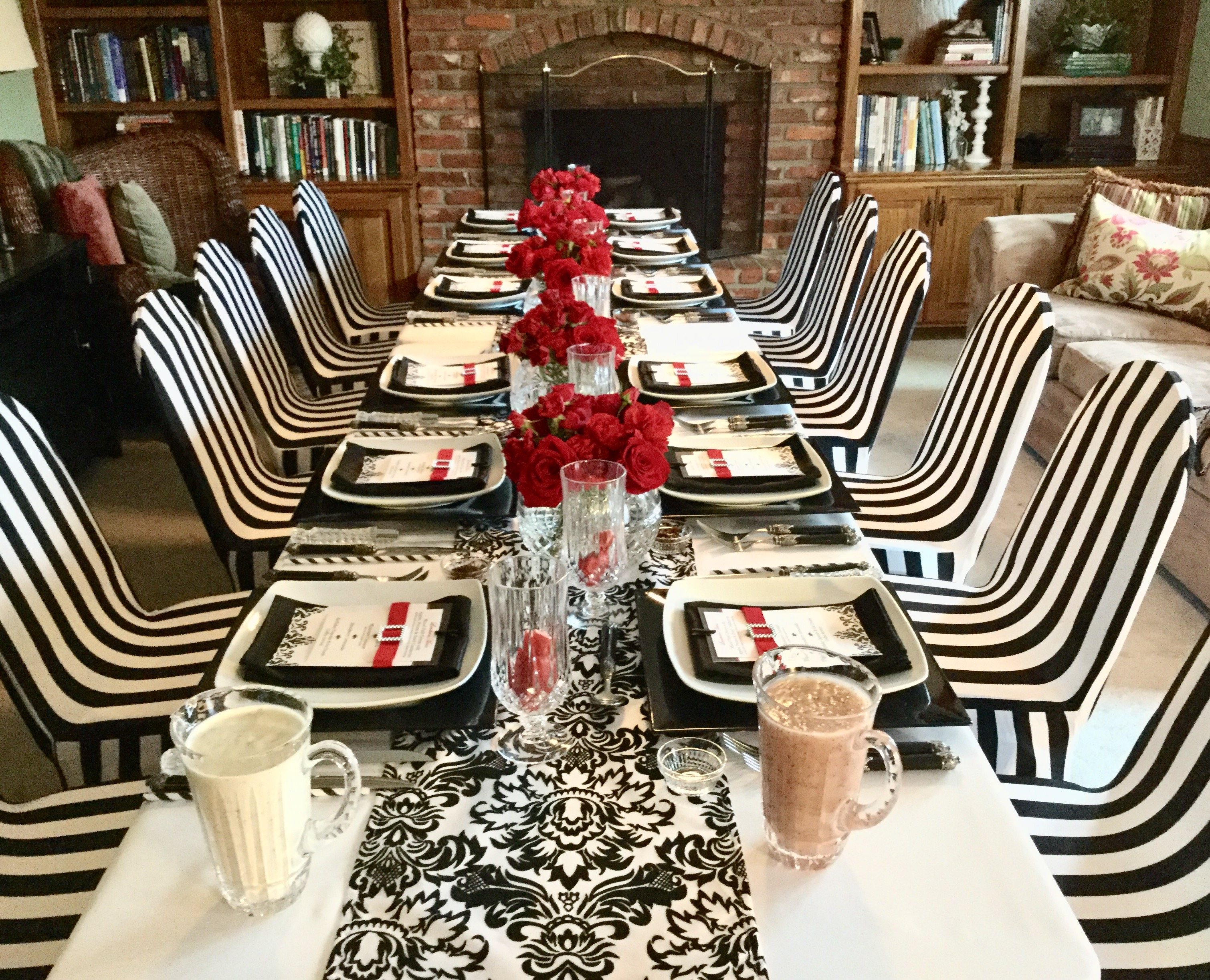 Surprising Tablescape With Striped Stretch Chair Covers Black White Unemploymentrelief Wooden Chair Designs For Living Room Unemploymentrelieforg